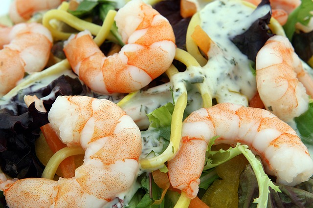 Enjoy the Seafood-Filled Brunch at The Crazy Tuna Bar & Grille